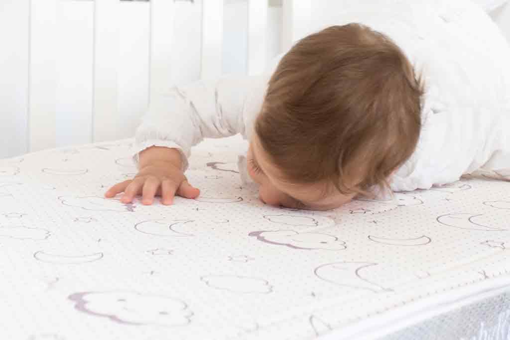 Bebé duerme seguro