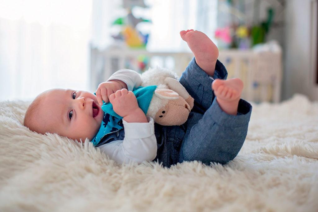 ¿Cómo vestir a un bebé recién nacido en octubre?