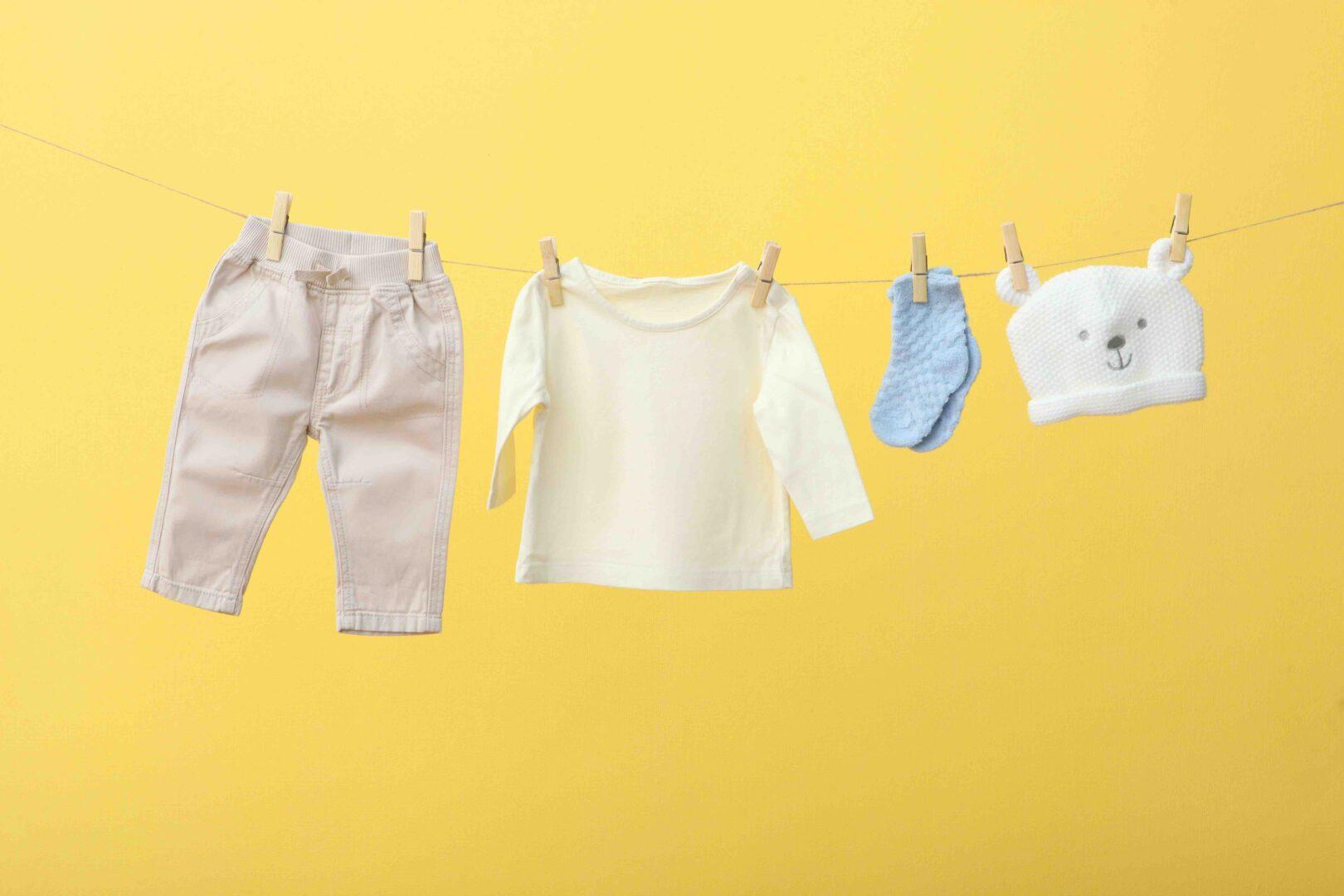 como vestir a un bebe recién nacido en primavera